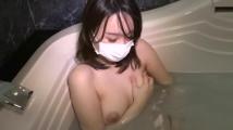 浴槽でオナるのが日課の人妻たち4名